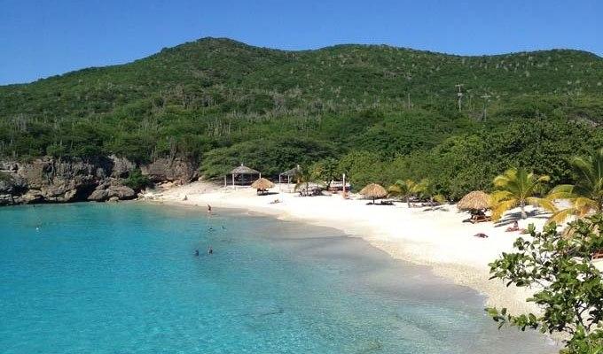 tropische-baai-curacao-strand2