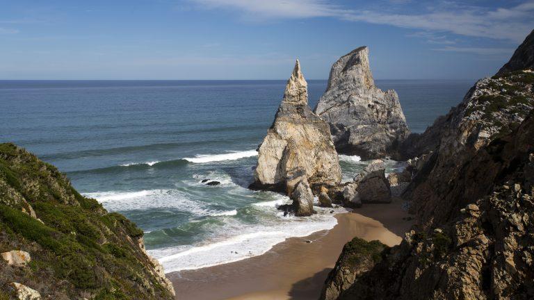 ursa-beach-in-sintra