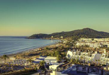 Zonder huurauto mis je het mooiste van Ibiza