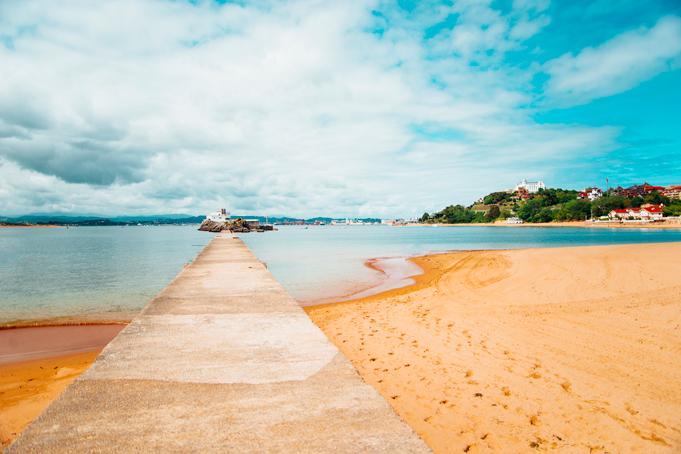 Strand in Satander, Spanje