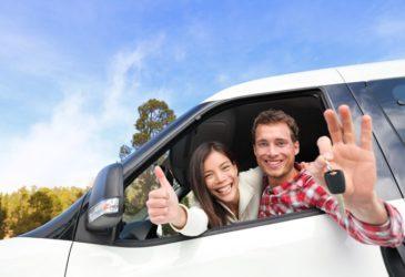 Met welke lokale autoleveranciers werkt Sunny Cars samen?