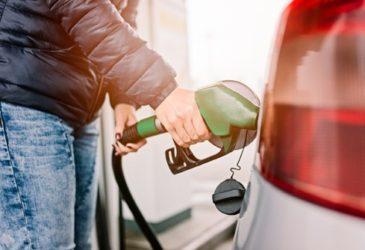 Oops, verkeerde brandstof in de auto! Deze brandstofwijzer voorkomt dit