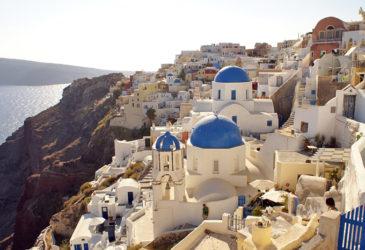 Eiland Santorini verleidt 790.000 dagjesmensen