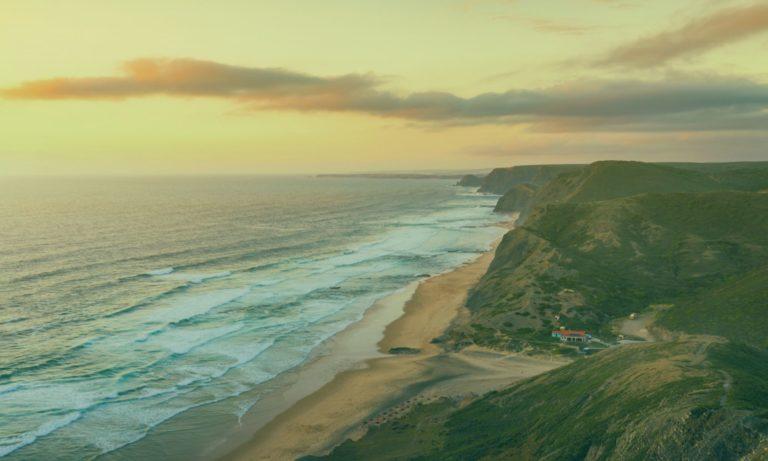 praia-da-cordoama-portugal