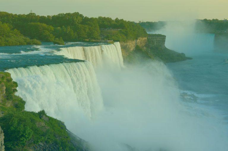 istock-178374974-niagara-falls-filter